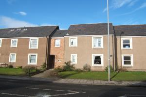 1 bedroom ground floor flat comprising of living room, double bedroom, kitchen and shower room